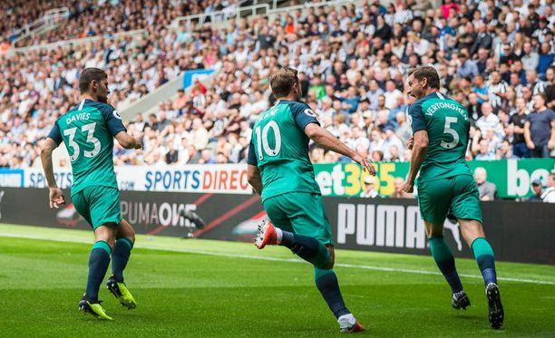 Puolustaja Jan Vertonghen teki Tottenhamin liigakauden avausmaalin jo kahdeksannella peliminuutilla.