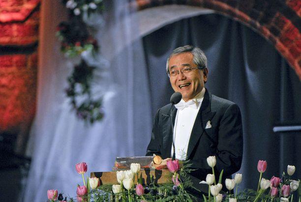 Eiichi Negishi Nobel-tilaisuudessa Tukholmassa joulukuussa 2010.