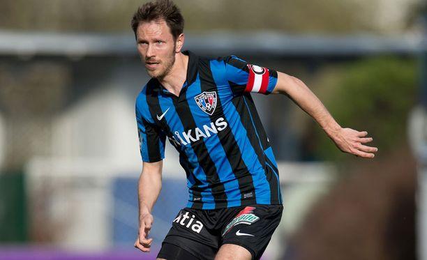 Henri Lehtonen viimeisteli Interin toisen maalin.