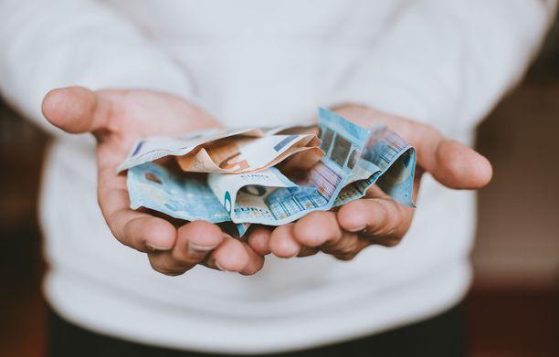 Esalle jäi minimalistivuodesta säästöön liki 30 000 euroa.