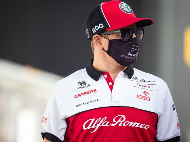 Kimi Räikkönen päästeli sammakoita suustaan Imolassa.