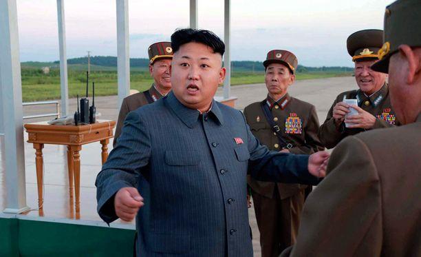 - He ryömivät, juoksivat ja pyörivät, jolloin Kim loukkasi nilkkansa jänteet ja polvensa, lähde kertoo.