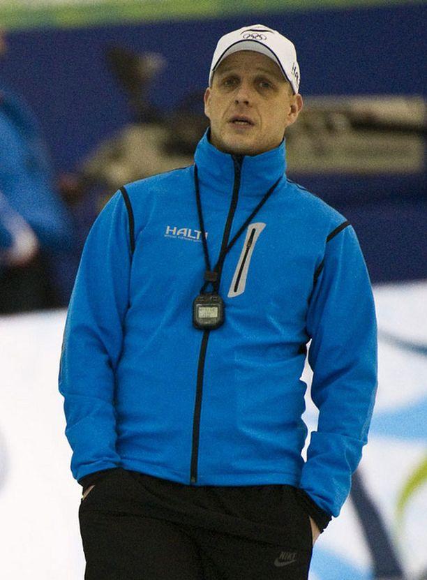 Janne Hänninen aloitti päävalmentajana heti lopetettuaan oman kilpauransa.