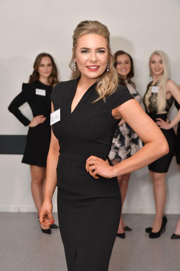 Nicole Heinämaa yrittää uudestaan voittaa Miss Suomen kruunun.