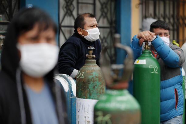 Happipullojen täyttäjille koronaviruksesta on tullut hyvä bisnes.