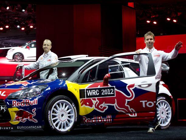 Mikko Hirvonen ja Sébastien Loeb olivat kaudella 2012 paitsi kovimmat kilpakumppanit myös tallikaverukset.