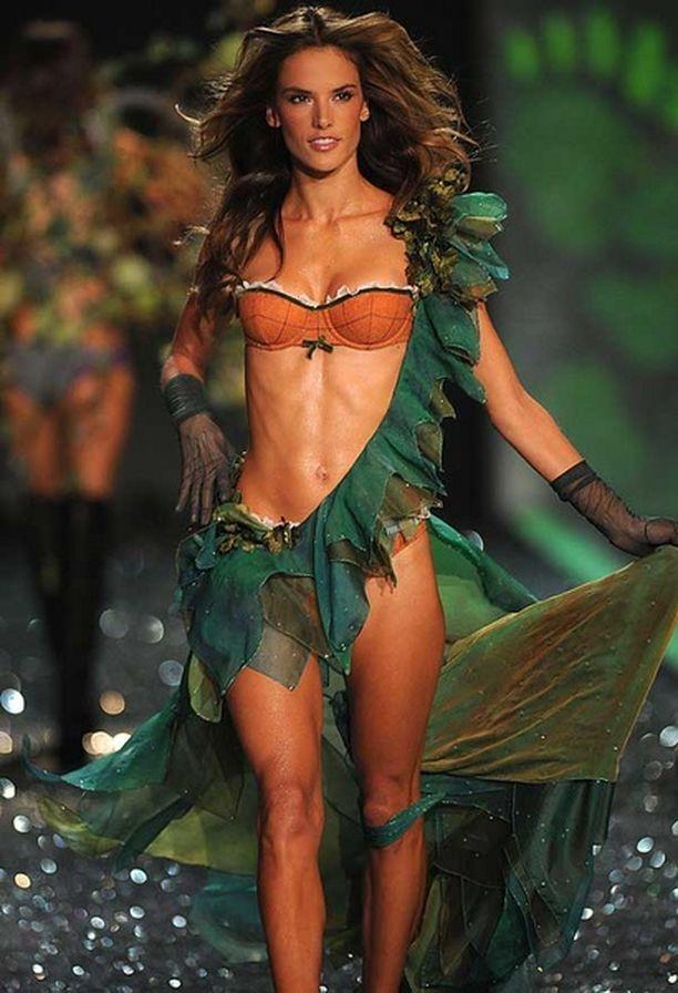 ...brasilialainen huippumalli Alessandra Ambrosio neljänneksi.