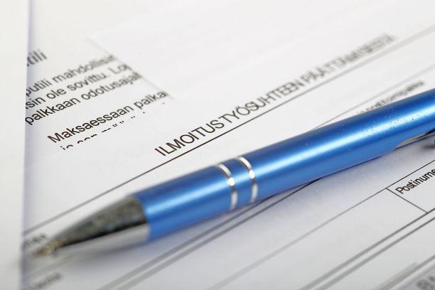 Ilmoitus työsuhteen päättymisestä johtaa usein oikeuskäsittelyyn.