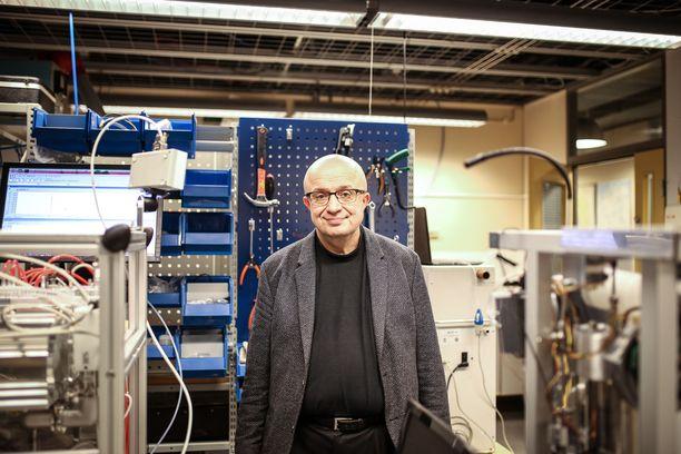 Professori Markku Kulmala näkee nykynuorissa paljon potentiaalia, mutta on samaan aikaan huolissaan yhteiskunnan jakaantumisesta ja nuorten syrjäytymisestä.