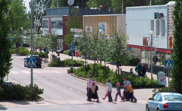 Maahanmuuttajien ja kantaväestön välinen tappelu sattui Keuruuntiellä Keuruun ydinkeskustassa. Arkistokuva.