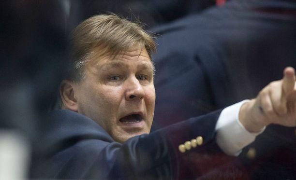 Omsk ei ole koskaan voittanut Gagarin Cupia. Onnistuuko Raimo Summanen voittamaan sen Siperiaan?