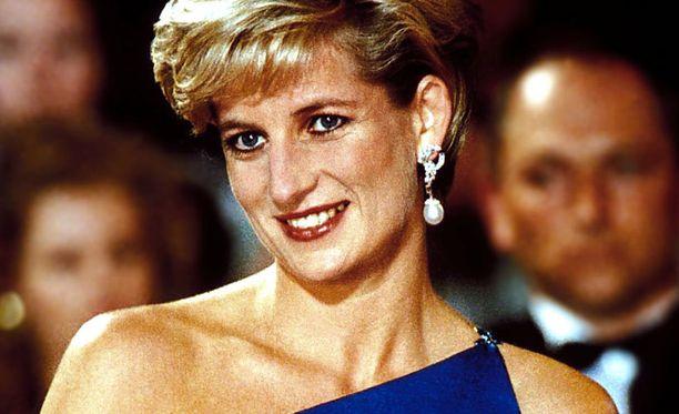Diana kuoli päivälleen 15 vuotta sitten vain 36-vuotiaana. Sydänten prinsessa elää muistoissa.