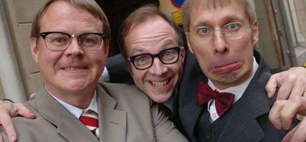 Alivaltiosihteeri-yhtyeen muodostavat Pasi Heikura, Simo Frangén ja Jyrki Liikka.