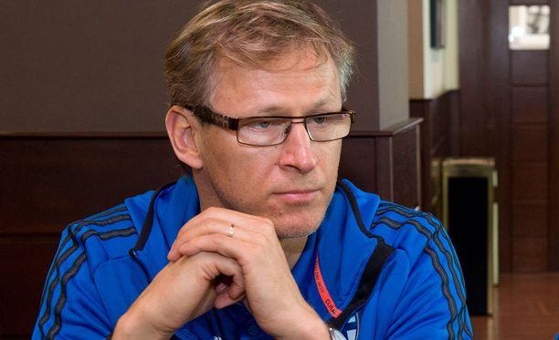 Markku Kanerva valmentaa Huuhkajia vuodenvaihteeseen saakka, jolloin uusi päävalmentaja Hans Backe ottaa ohjat.
