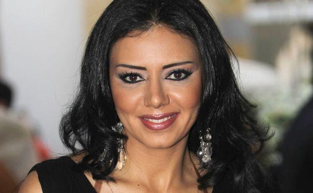 Egyptiläinen elokuvatähti Rania Youssef kuvattuna Dubaissa vuonna 2011.