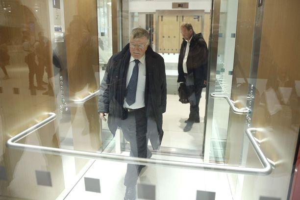 Entinen toimitusjohtaja Didier Lombard saapui oikeuteen 7. toukokuuta Pariisissa.