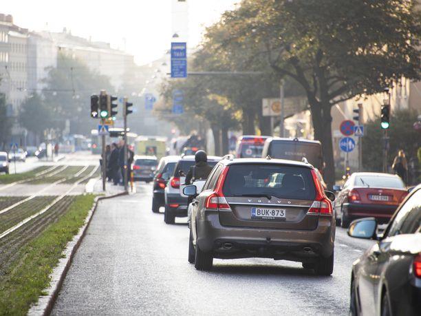 Autoalan Keskuliitto kannattaa autoverosta luopumista, mutta ei kertarysäyksellä.