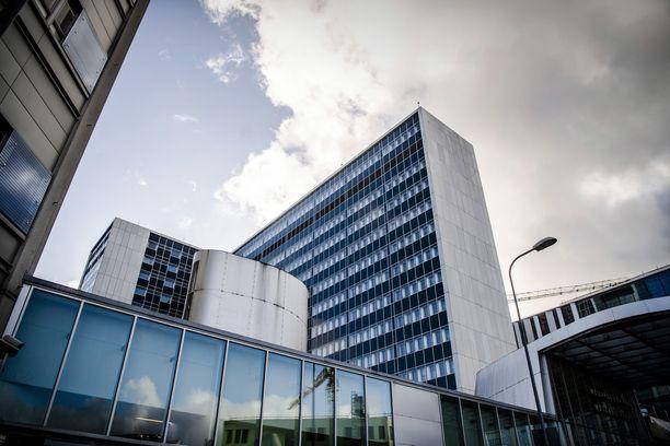 Diagnostiikkajohtaja Lasse Lehtosen mukaan Husin Meilahden laboratorio on Suomen ainoa paikka, jossa koronavirustestejä tutkitaan ympäri vuorokauden pyhinäkin.