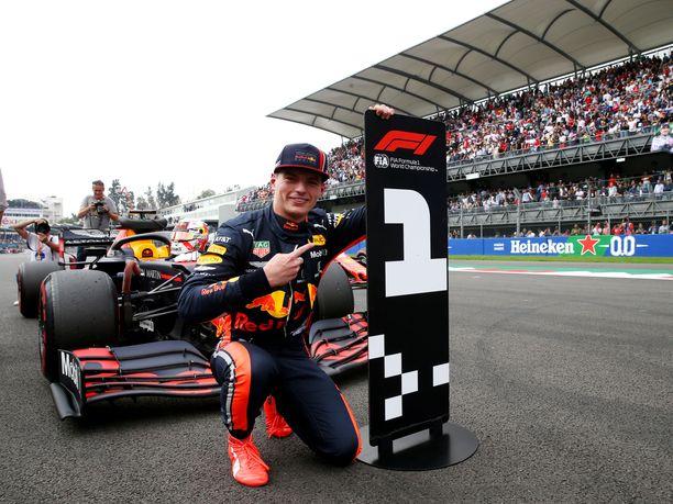 Max Verstappen oli nopein Meksikon GP:n aika-ajoissa.
