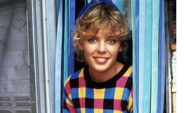 Kylie Minogue nousi kotimaassaan Australiassa kuuluisuuteen saippuasarjassa Neighbours, jossa hänen esittämästään Charlene Robinsonista tuli yksi katsojien rakastamista suosikkihahmoista.