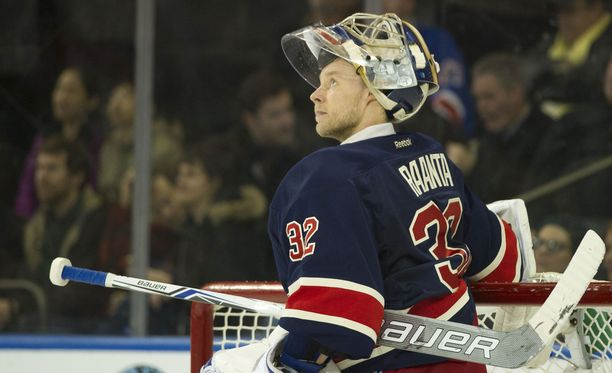 Antti Raanta on jättänyt NHL-uransa ainoan kohun kauas taakseen.