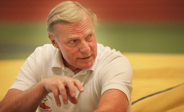 Rainer Stenius piti pituushypyn Suomen ennätystä hallussaan lähes neljä vuosikymmentä.