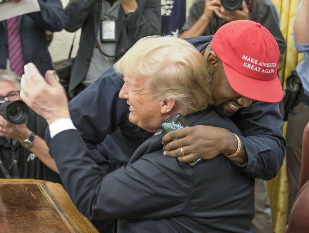 Trump ja West halasivat tunteellisesti keskiviikkona.