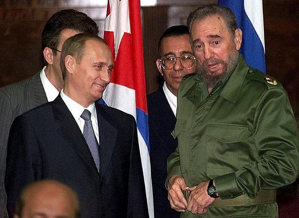 Vladimir Putin ja Fidel Castro yhteiskuvassa vuonna 2000.