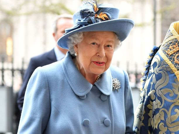 93-vuotias kuningatar Elisabet on pysytellyt viime aikoina visusti eristyksissä.