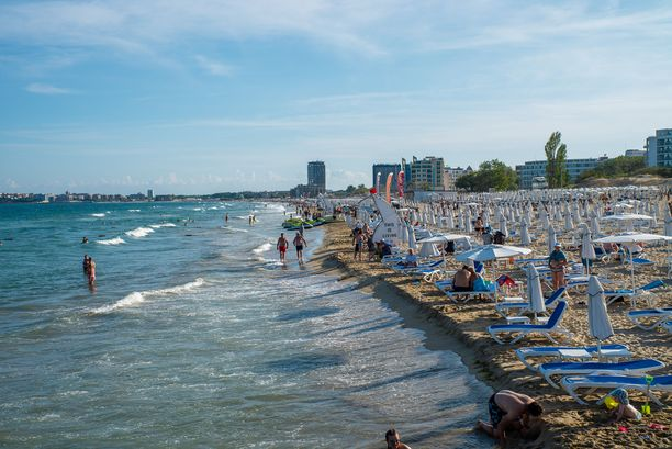 Sunny Beach tunnetaan kilometrien mittaisesta rannastaan. Valokuvausta harrastava Antti Jouppila on ikuistanut paikan tunnelmia asuessaan siellä useamman kesäkauden ajan.