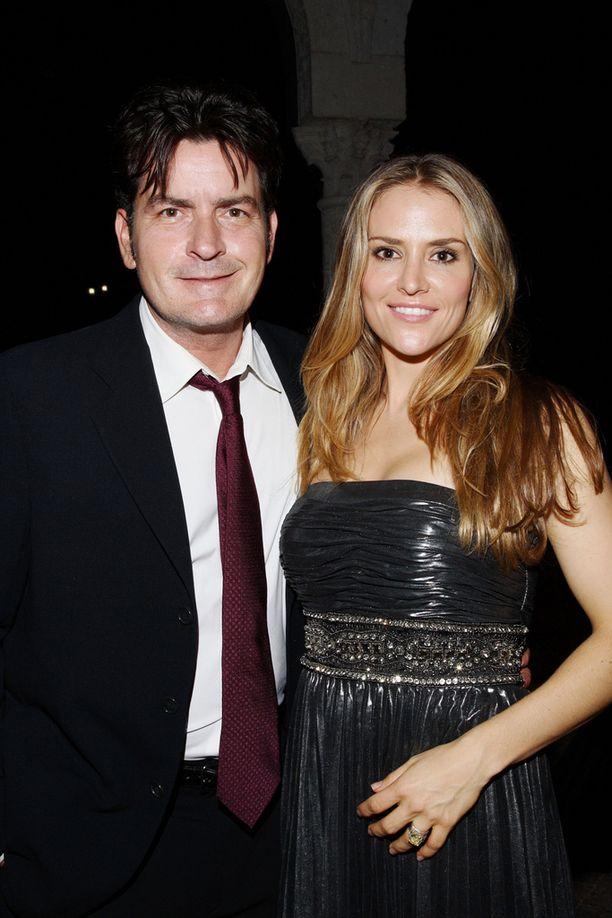 Charlie Sheen ja Brooke Mueller erosivat lopullisesti vuonna 2011.