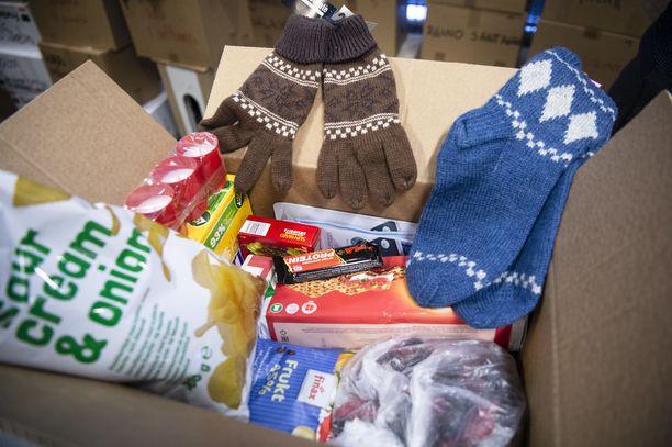 Vähävaraisten lahjapaketteihin kootaan tavallista tavaraa.