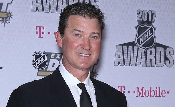 Mario Lemieux myy miljoonalukaaliaan Quebecissä.