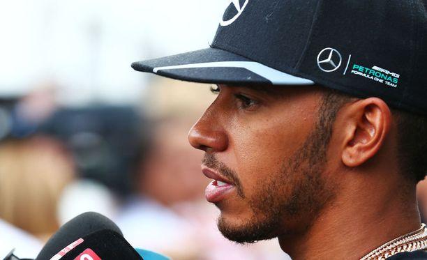 Lewis Hamiltonista ja Nico Rosbergista voi tulla F1-historian pisin yhtäjaksoinen tallikaveruspari.