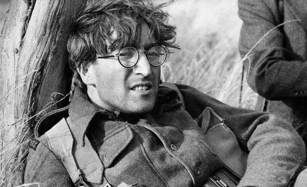 John Lennon How I Won the War -elokuvan kuvausten tauolla.