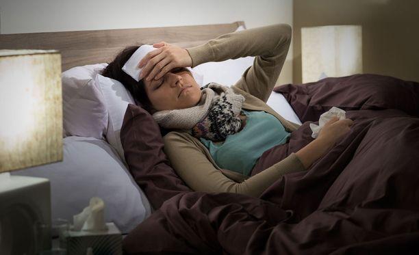 Flunssalle altistumisessa ei havaittu eroja niiden välillä, jotka kokivat itsensä yksinäiseksi ja jotka eivät kokeneet.