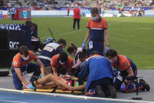 Estejuoksija Soufiane El Bakkali loukkaantui rajulta näyttäneessä kolarissa viime lauantaina Pariisin Timanttiliigan osakilpailussa.