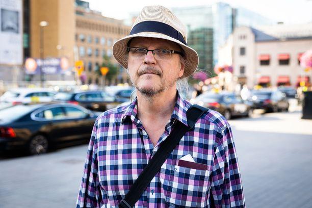 Pekka Nissilä toivoo, että kotimainen rokotepassi saataisiin käyttöön.