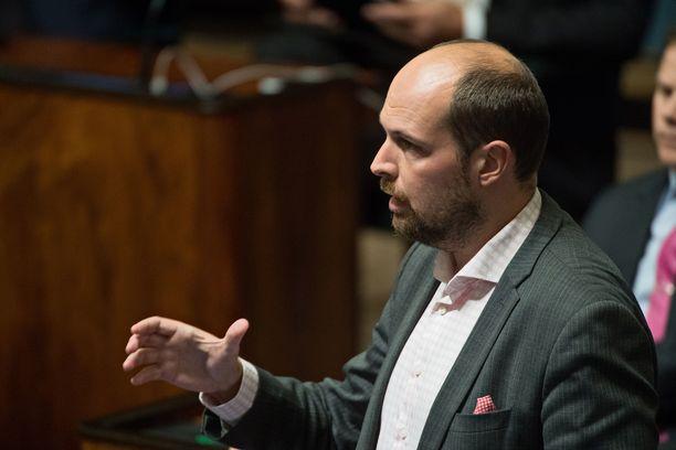Keskustan kansanedustajasta Tuomo Puumalasta (36) ei tule Suomen nuorinta sopeutumiseläkeläistä.