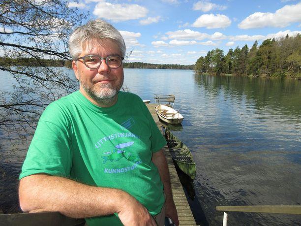 Hoitokunnan puheenjohtaja Jukka Heikkilä vastusti pitkään kemiallista kunnostusta, mutta myöntää nyt olleensa väärässä.