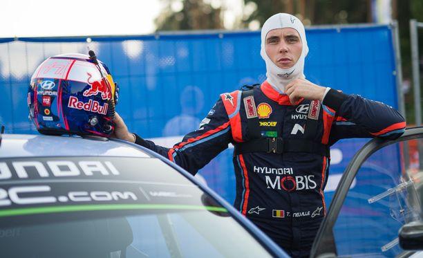 FIA:n mukaan Thierry Neuville käytti kännykkää siirtymätaipaleella ajaessaan.