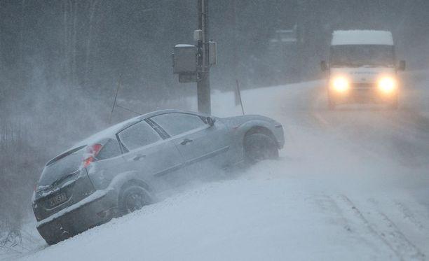 Ilmatieteen laitoksen mukaan ajokeli saattaa olla edelleen huono maan itäosissa.