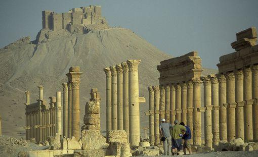 Palmyran rauniokaupunki Syyrian aavikolla on yksi Unescon maailmanperintökohtaista. Isis valtasi Palmyran 2015 ja tuhosi siitä suuria osia.