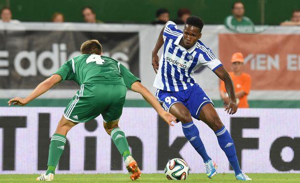 Macoumba Kandji oli pelipäällä Rapid Wieniä vastaan.
