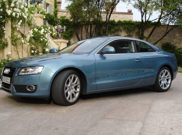 Audin (ei kuvan Audi) jakohihna katsesi ja ostaja sai korvaukset.