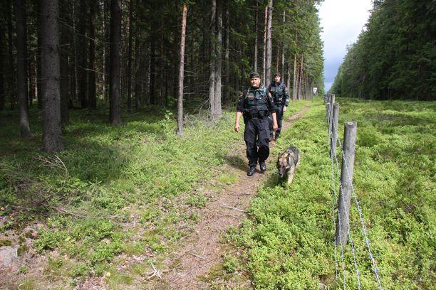 Kuvituskuva. EU:n komission arviointiryhmän mukaan Suomen maarajojen henkilöstömäärää tulee kasvattaa.