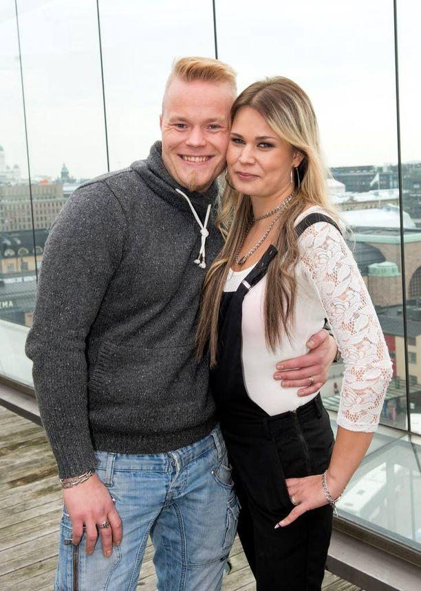 Sami ja Krista eivät ole ehtineet vielä naimisiin, mutta pari haaveilee unelmahäistä. Kuva viime keväältä.