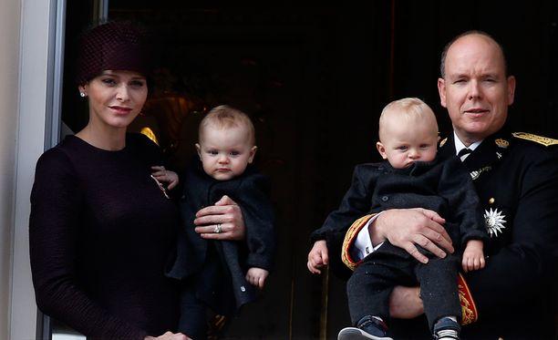 Gabrielle ja Jacques ovat nyt vuoden ja kolmen kuukauden ikäisiä.