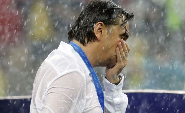 Zlatko Dalic valmensi Kroatian MM-hopealle.