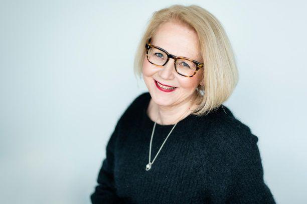 Helena Ruuskan uusin teos kertoo Mary Gallen-Kallelan elämästä suuren taiteilijan rinnalla.